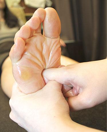 腎臓の反射区を刺激。
