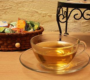 サービスの健康茶。